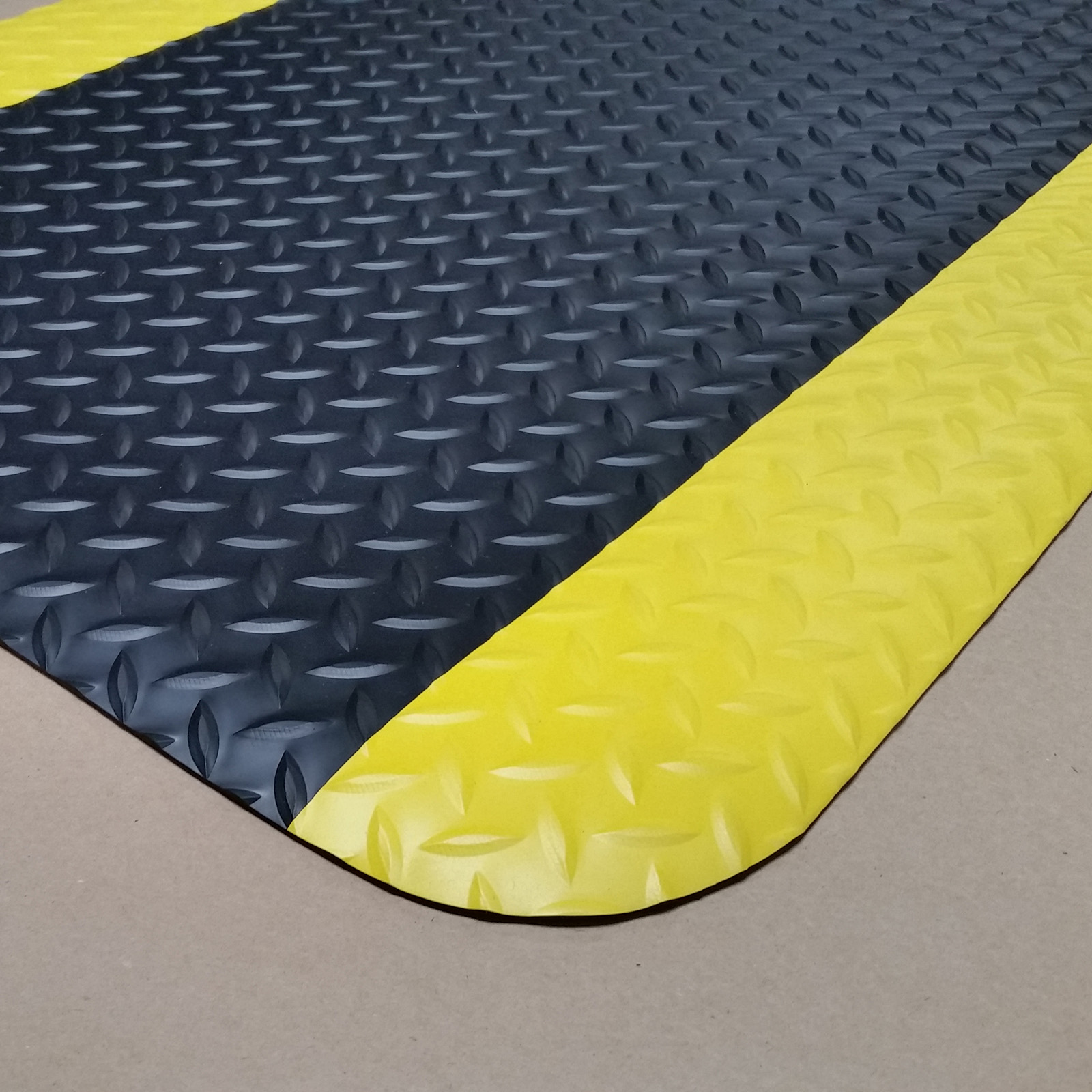 Cactus Mat 1053R-4 floor mat, anti-fatigue